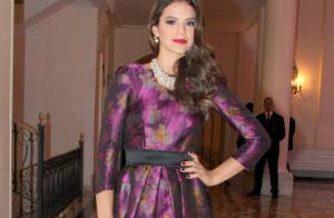 Bruna Marquezine usa look Carolina Herrera de R$ 15 mil em evento no Rio