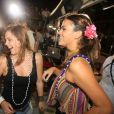 Bruna Marquezine e Alice Wegmann se esbaldaram dançando 'Lepo Lepo' no trio de Ivete Sangalo em Salvador, no dia 3 de março de 2014