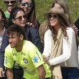Bruna Marquezine acompanhou o treino de Neymar pela Seleção Brasileira, na Granja Comary, em Teresópolis, em 1º de junho de 2014