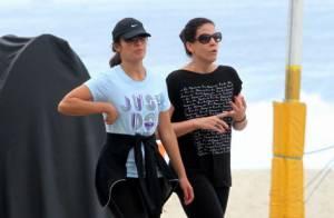 833f8c1fc7515 Bruna Marquezine usa óculos de sol e boné ao chegar de viagem ao Rio ...