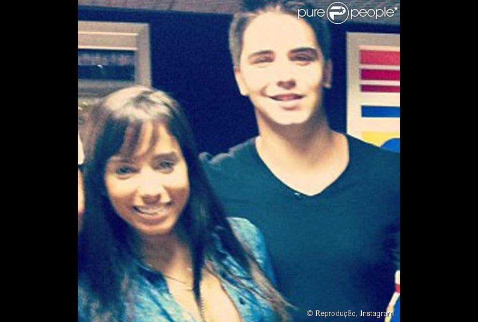 Anitta se apresentou na quadra da escola de samba Beija-Flor, no último sábado, 13 de dezembro de 2014 e teve a companhia do namorado, Daniel Trovejani
