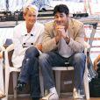Diferentemente dos outros relacionamentos, com o modelo e ator Luciano Szafir Xuxa preferiu manter uma relação discreta e longe da mídia