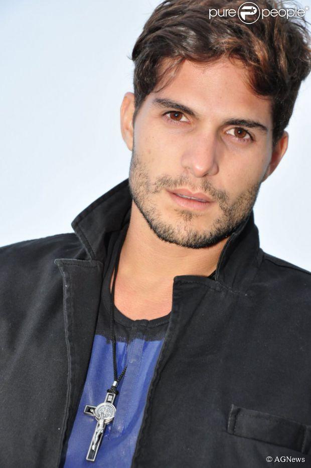 André, ex-participante do 'BBB13', não vê a hora de encontrar Fernanda, com quem se relacionou dentro do reality show e disse em entrevista ao jornal carioca 'Extra' que será bem romântico, em 22 de março de 2013