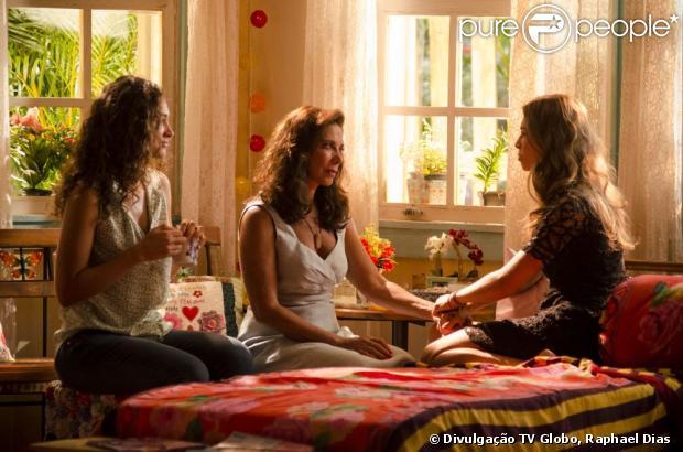 Ester toma coragem para revelar para Lindauva que está grávida de Cassiano e pede o apoio da mãe para dar a notícia para o pai, Samuel. Taís acompanha a conversa para dar força a amiga. A cena vai ao ar na segunda-feira, 25 de 2013
