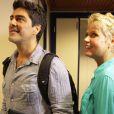 A apresentadora chegou aos estúdios acompanhada de seu namorado, o ator e músico Junno Andrade