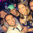 Neymar curte o Baile da Favorita no Café de La Musique, em Trancoso, na Bahia