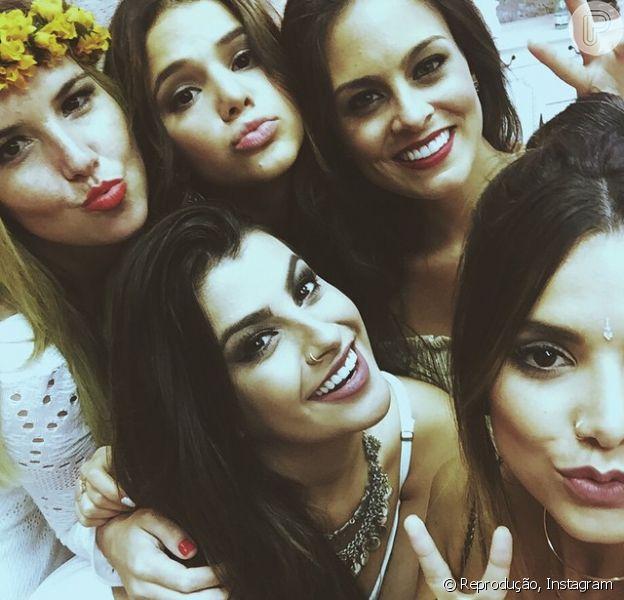 Bruna Marquezine encerra ano de 2014 com festa animada em Jurerê Internacional, em Florianópolis, Santa Catarina
