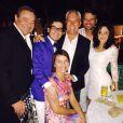 Fernanda Vasconcellos e Cassio Reis passaram o Réveillon em uma festa em Miami com amigos e posaram em clima apaixonado