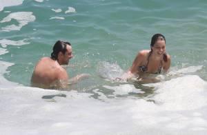 Nathalia Dill e Sergio Guizé são flagrados se beijando em praia do Rio
