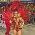 Viviane Araújo brilhou no Carnaval de 2014 do Salgueiro com uma fantasia banhada a ouro