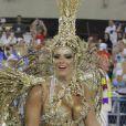Em 2012, Viviane Araujo usou uma fantasia dourada e cheia de pedras preciosas no desfile do Salgueiro em 2012