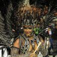 Com uma fantasia toda preta, Viviane Araújo roubou a cena no Carnaval do Salgueiro em 2011
