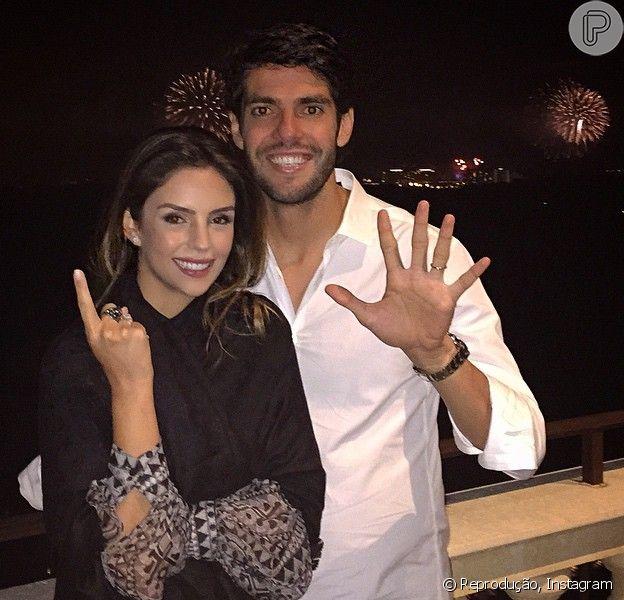 Carol Celico e Kaká comemoraram juntinhos a chegada de 2015