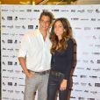 Marcio garcia posa para foto com a mulher, Andrá Santa Rosa Garcia, na première de seu filme 'Angie'