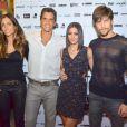 Carol Castro e o noivo, Raphael Sander, posam para foto com Marcio Garcia e a mulher, Andréa Santa Rosa