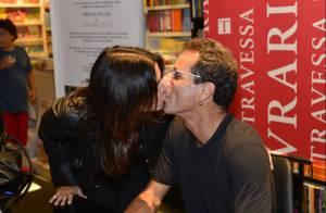 Malu Mader prestigia e beija Tony Bellotto em lançamento de livro, no Rio