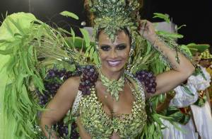 Viviane Araújo, de 'Império', abre o Carnaval de SP e brilha na Mancha Verde