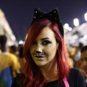 Josie Pessôa se fantasia de gatinha e curte Carnaval em camarote no Rio
