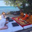 Luma Costa e Leonardo Martins recebem as bençãos dos monges