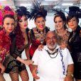 Josie Pessôa com seus companheiro da novela 'Império' no Carnaval da trama das nove