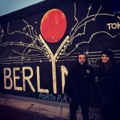 Isabelli Fontana posa com Di Ferrero em Berlim: 'Com meu amor é muito divertido'