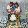 Juliana Knust, grávida de 9 meses, fez chá de bebê em sua casa no final de janeiro deste ano para a chegada de Arthur, seu segundo filho do casamento com o estilista Gustavo Machado. Os dois são pais de Mateus, de 5 anos