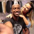 Thiaguinho e Fernanda Souza vão se casar nesta terça-feira (24)