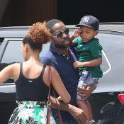 Taís Araújo e Lázaro Ramos passeiam com o filho e encontram Alinne Moraes