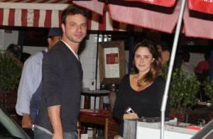 Fernanda Vasconcellos e Cássio Reis curtem noite juntos em restaurante, no Rio