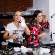Patricia Abravanel e Eliana se divertiram ao tentar fazer um bolo funcional