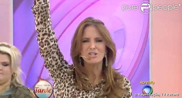 Ticiane Pinheiro dança ao som da música 'Quadradinho de 8&#03