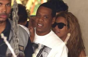 Beyoncé e Jay-Z almoçam na companhia da filha, Blue Ivy, em Paris