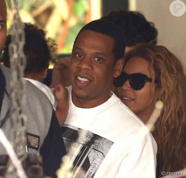 Beyoncé e Jay-Z almoçam em Paris, na França, em 25 de abril de 2013