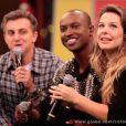Thiaguinho e Fernanda Souza em participação no programa 'Caldeirão do Huck', em 2013. Na ocasião, a atriz contou em primeira mão que tinha ficado noiva no Dia dos Namorados. 'Antes foram duas garrafas de vinho para criar coragem', revelou o cantor