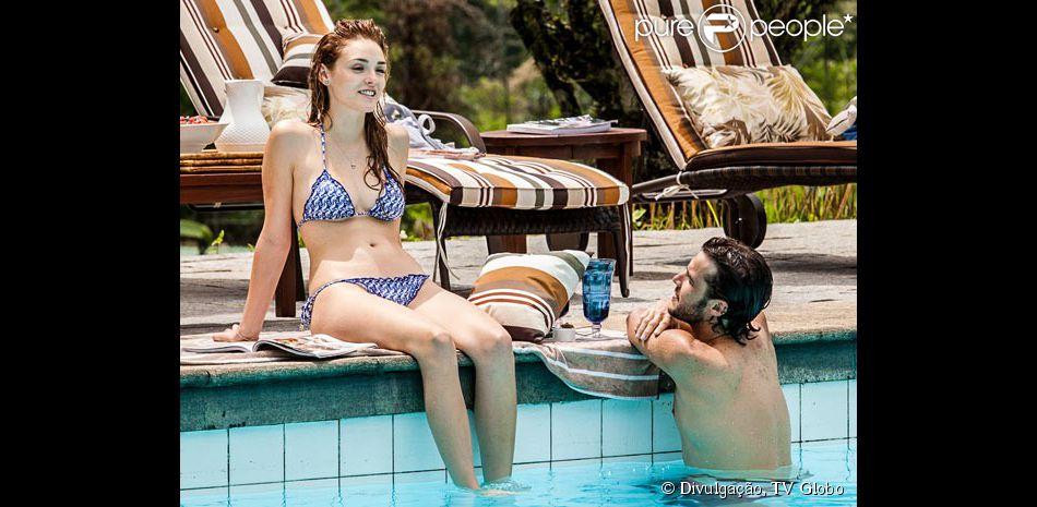 Isabelle Drummond exibiu corpo sequinho ao lado de Jayme Matarazzo, em cena da novela 'Sete Vidas', no ar nesta quinta-feira, 12 de março de 2015