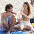 Júlia (Isabelle Drummond) e Pedro (Jayme Matarazzo) vivem um romance proibido na novela 'Sete Vidas'