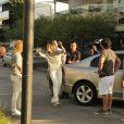 Flávia Alessandra grava cena em rua do Recreio, Zona Oeste do Rio