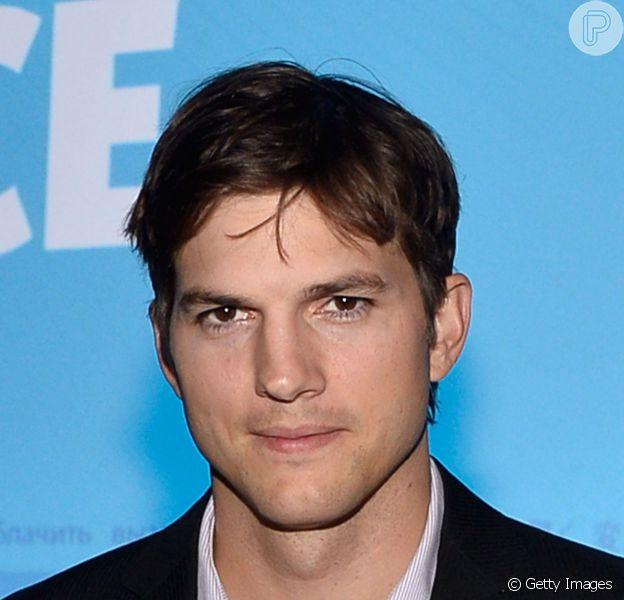 Pai pela primeira vez, Ashton Kutcher faz petição online nos Estados Unidos para lojas colocarem fraldários masculinos