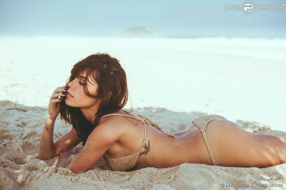 Carla Salle, prostituta em 'Babilônia', comenta boa forma e garante: 'Nunca fiz dieta na minha vida'