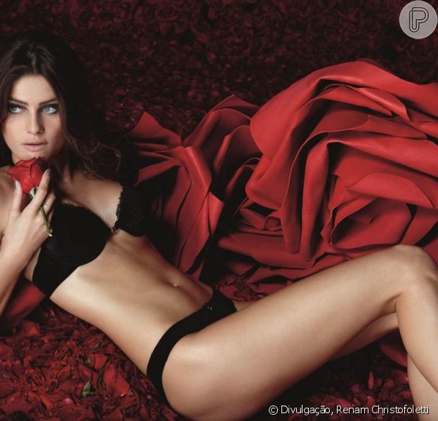 Isabeli Fontana exibe corpão aos 30 anos e posa de lingerie para revista, em 14 de maio de 2013