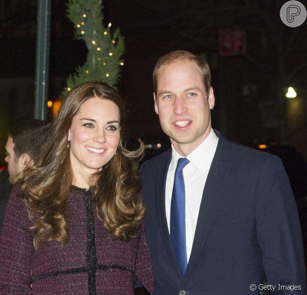 Kate Middleton é mamãe pela segunda vez! Duquesa dá a luz uma menina, a segunda criança do casamento com príncipe William. O bebê real nasceu neste sábado, 2 de maio de 2015, em Londres, Inglaterra