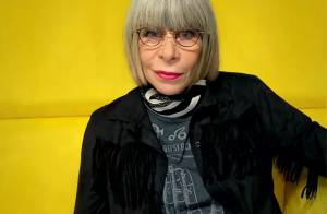 Rita Lee fala sobre ter adotado os cabelos brancos: 'Enchi o saco de ser ruiva'