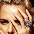 Charlize Theron posou sensual para a próxima edição da 'W Magazine'