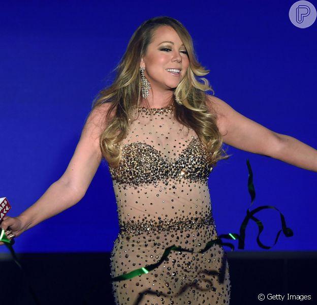 Com um look transparente, Mariah Carey apresentou seu novo single, 'Infinity', em evento no hotel Caesars Palace, em Las Vegas, nesta segunda-feira, 27 de abril de 2015