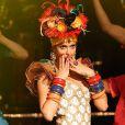 Fernanda Lima também já usou  vestido exclusivo do estilista Henrique Filho e inspirado na Carmem Miranda, no palco do 'Amor & Sexo'