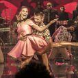 Fernanda Lima usa vestido inspirado no filme 'Dirty Dance' para dançar com o marido, Rodrigo Hilbert, no 'Amor & Sexo'