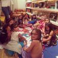 Em comemoração ao seu aniversário, a atriz convidou as amigas da filha para um lanche