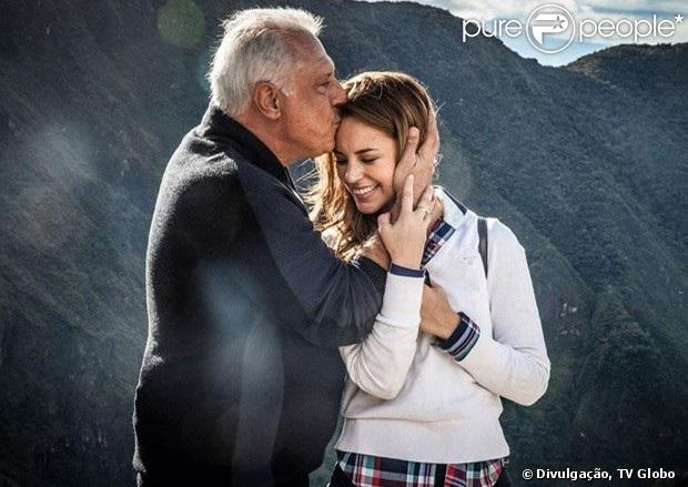 Próximos capítulos de 'Amor à Vida' revelam fortes indícios de que Paloma (Paolla Oliveira) seja filha de César (Antônio Fagundes) com uma amante