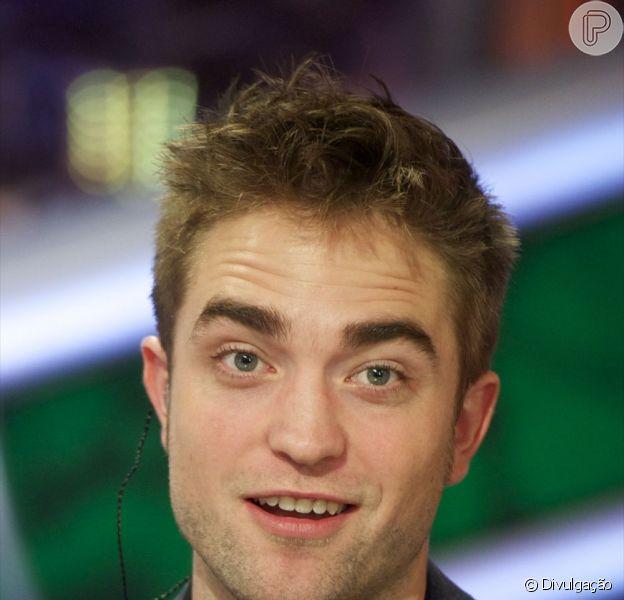 Amigos de Robert Pattinson negam que ator esteja namorando Katty Perry