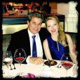 Depois do término do casamento com Claudia Raia, Edson Celulari e Karen Roepke assumiram o namoro em janeiro